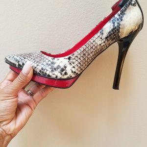Guess Shoes - Guess pumps🔥